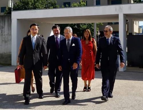 O Embaixador da China em Portugal visitou a Escola Oliveira Júnior